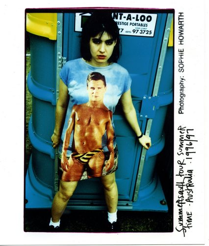 Kathleen-Hanna-is-awesome-bikini-kill-21517204-426-500